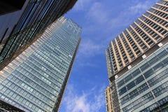 Immeuble de bureaux en ville photos stock