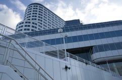 Immeuble de bureaux moderne Photos libres de droits