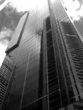 Immeuble de bureaux moderne vivant urbain de ciel de ville Images stock