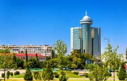 immeuble de Soviétique-ère au centre de Tashkent, l'Ouzbékistan photos stock