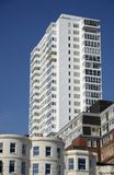 Immeuble sur le bord de mer de Brighton l'angleterre photos libres de droits