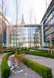Immeubles de bureaux abstraits Image stock
