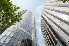 Immeubles de bureaux modernes Photos stock