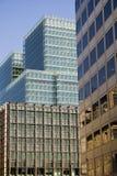 Immeubles de bureaux modernes de ville Photos stock