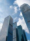 Immeubles de bureaux, regardant-vers le haut Image libre de droits