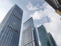 Immeubles de bureaux, regardant-vers le haut Photographie stock