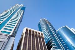 Immeubles et hôtels de bureaux modernes Manama, Bahrain Photos stock