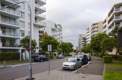 Immeubles, Rhodes, Sydney, Australie photographie stock libre de droits