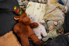Immondizia dagli stracci e dalle bambole Fotografia Stock