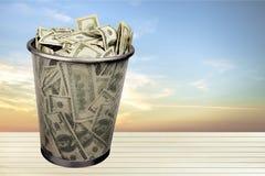 Immondizia di valuta Immagini Stock