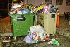 Immondizia nel centro della città, Spagna. Fotografia Stock