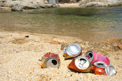 Immondizia sulla spiaggia Fotografie Stock