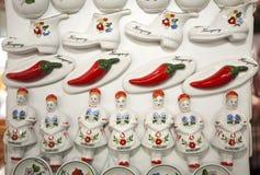 Imán hecho a mano del refrigerador de la porcelana de los regalos húngaros originales Fotografía de archivo
