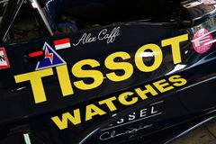 Imola 27 April 2019: Detalj av den historiska 1976 f?re detta Ronnie Kessel som f?r flagga F1 ?r drivande vid Alex Caffi i asken  royaltyfria foton