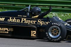 Imola, el 27 de abril de 2019: 1985 F1 hist?ricos Lotus 97T/4 John Player Special ex Ayrton Senna en la acci?n durante el d?a his fotografía de archivo libre de regalías