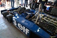 Imola, il 27 aprile 2019: Dettaglio di 1976 F1 storici Tyrrell P34 ex Ronnie Peterson guidato da Pierluigi Martini nella scatola fotografia stock libera da diritti