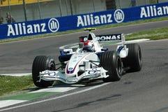Imola - ITALIA, el 21 de marzo: Robert Kubica en Sauber BMW F1 en GP 2006 F1 de San Marino el 21 de marzo de 2006 Imagen de archivo libre de regalías