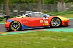Imola Italien Maj 13, 2016: AF CORSE ITA Ferrari F458 Italia Duncan Cameron GBR Matt Griffin IRL a på ALMrundan av Imola 2016 Arkivbilder