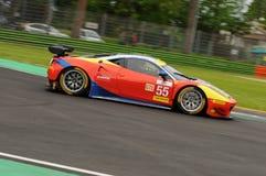 Imola Italien Maj 13, 2016: AF CORSE ITA Ferrari F458 Italia Duncan Cameron GBR Matt Griffin IRL a på ALMrundan av Imola 2016 Royaltyfri Foto