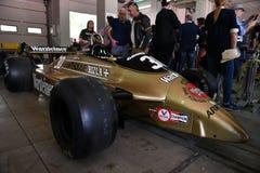 Imola, le 27 avril 2019 : F1 flèches historiques A3 1980 Jochen Mass ex dans la boîte pendant le jour historique 2018 de Minardi  photos libres de droits