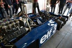 Imola, o 27 de abril de 2019: Detalhe dos 1976 F1 hist?rico Tyrrell P34 Ronnie Peterson ex conduzido por Pierluigi Martini na cai fotografia de stock