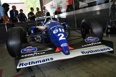 Imola, o 27 de abril de 2019: 1994 F1 hist?ricos Williams FW16 Ayrton Senna ex - Damon Hill na caixa durante o dia hist?rico 2019 imagens de stock