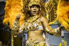 Império de Casa Verde - Carnaval dansare São Paulo, Brasilien 2015 Arkivbild
