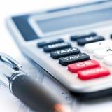 impôt de crayon lecteur de calculatrice photo stock