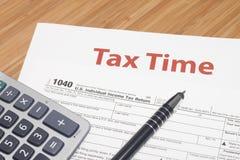 Impôts sur le revenu Photos libres de droits