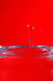 Impacto da gota da água com superfície da água Imagem de Stock Royalty Free