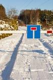 Impasse op de winterweg Stock Afbeelding