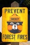 Impedica il segno degli incendi forestali Fotografie Stock