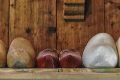 Impedimenti di legno olandesi in una fila immagine stock libera da diritti