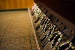 Impedimenti tradizionali di komageta del Giappone sulla struttura di legno Fotografia Stock Libera da Diritti