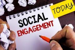 Impegno sociale del testo della scrittura Il post di significato di concetto ottiene gli alti annunci SEO Advertising Marketing d Fotografie Stock