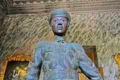 Imperatore Khai Dinh Statue In Imperial Tomb di Khai Dinh, sito di Hue Vietnam Unesco World Heritage fotografia stock libera da diritti