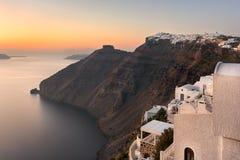 Imperavigli by i aftonen, Santorini, Grekland Royaltyfri Bild