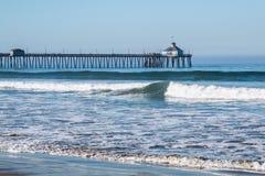 Imperialistisk strand, Kalifornien fiskepir med stranden Royaltyfria Bilder