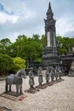 Imperialistiska Khai Dinh Tomb i ton, Vietnam Ett UNESCOvärldsarv arkivbild