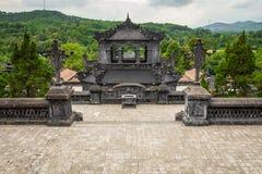 Imperialistiska Khai Dinh Tomb i ton, Vietnam Ett UNESCOvärldsarv arkivfoton