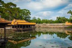 Imperialistiska Royal Palace av Nguyen dynasti i ton, Vietnam Tonen är royaltyfria foton