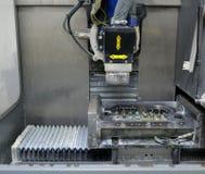 Impianti dentari di titanio della fresatrice immagine stock libera da diritti