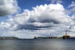 Impianti offshore sull'estuario di avanti Immagini Stock