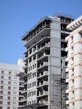 Impianti sulla costruzione di un condominio Fotografia Stock