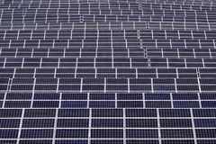 Impianto di ad energia solare Fotografie Stock Libere da Diritti