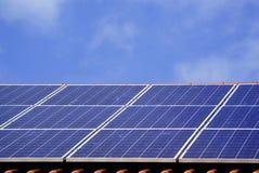 Impianto di ad energia solare fotografia stock libera da diritti
