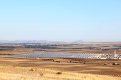 Impianto di ad energia solare vicino a Guadix, Andalusia, Spagna Fotografia Stock