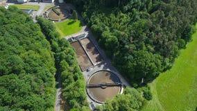 Impianto di depurazione - purificazione di acque reflue video d archivio