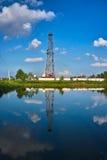 Impianto di perforazione del pozzo di petrolio Immagini Stock