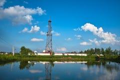 Impianto di perforazione del pozzo di petrolio Fotografie Stock
